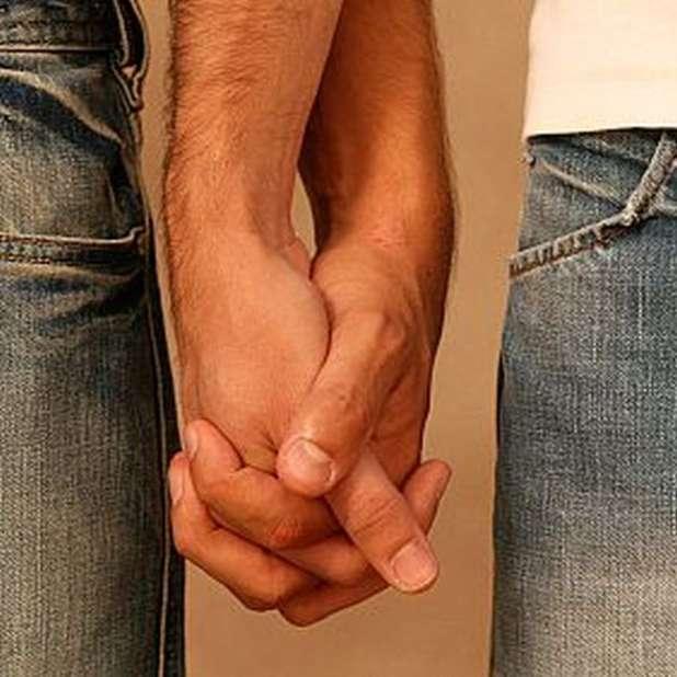 gay_mano