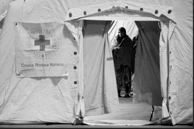 migranti-tenda