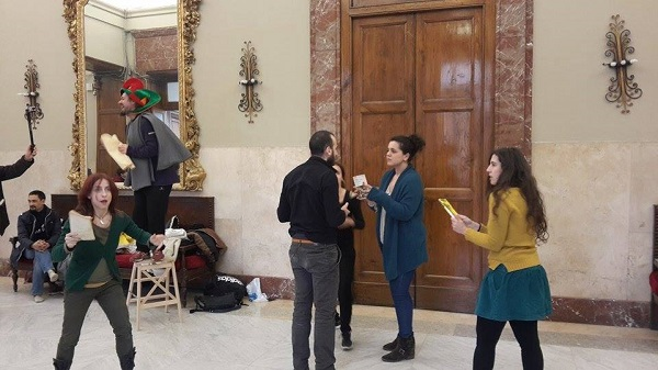 Un momento della protesta-spettacolo (foto R. Minasi per Sicilians.it)
