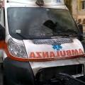 Una delle due ambulanze incendiate (foto profilo FB di Renato Coletta)