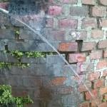 camaro. muro crollato