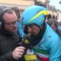 Nibali mentre ricorda Rosario Costa ai microfoni della Rai