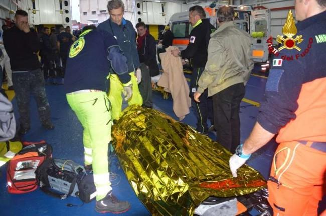 Novembre: Tragico incidente sul lavoro a bordo della nave Sansovino della Caronte&Tourist, 3 morti  Gli operai stavano effettuando degli interventi di saldatura all'interno di una cisterna di gas, quando si è sviluppato un principio di incendio, con le esalazioni tossiche prodotte inalate dai lavoratori. Il tragico bilancio recita tre morti, un ferito gravissimo e tre intossicati. Lanciato l'allarme, sul posto sono intervenuti i mezzi della Guardia Costiera e dei vigili del Fuoco e i sanitari del 118 che hanno trasportato i feriti nei vari pronto soccorsi degli ospedali cittadini.